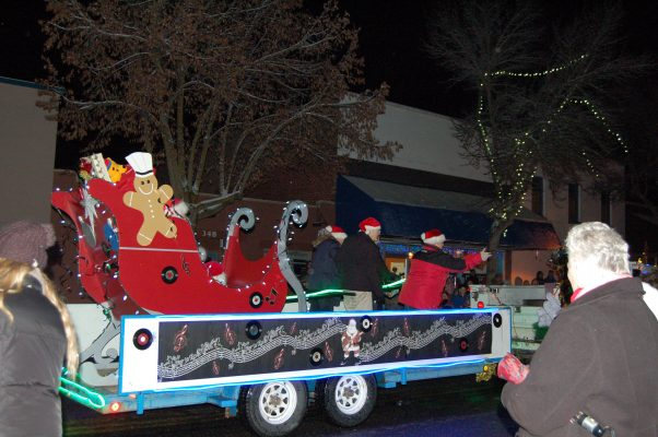 santa claus parade, grand forks, 2016, december, winter